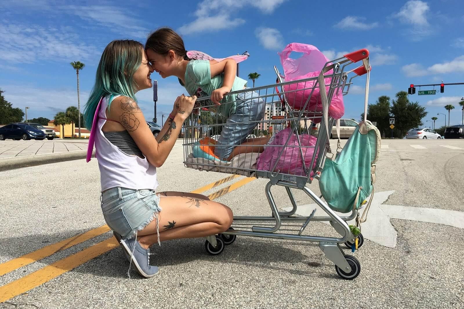 """「フロリダ・プロジェクト 真夏の魔法」""""The Florida Project""""(2017)"""