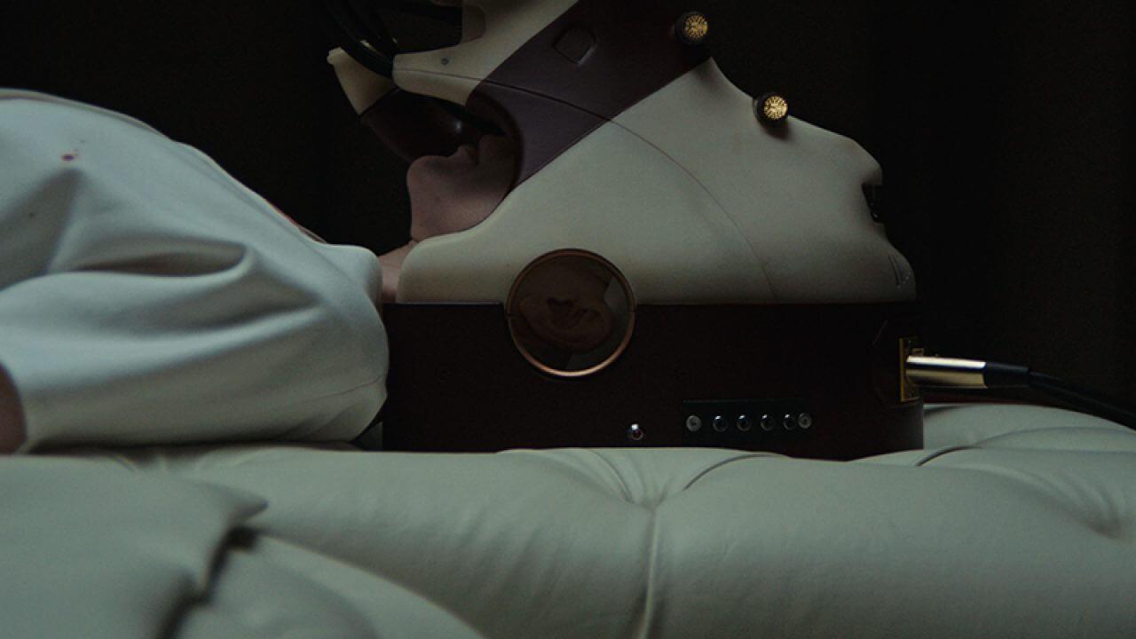 possessor-andrea-riseborough-2020-movie