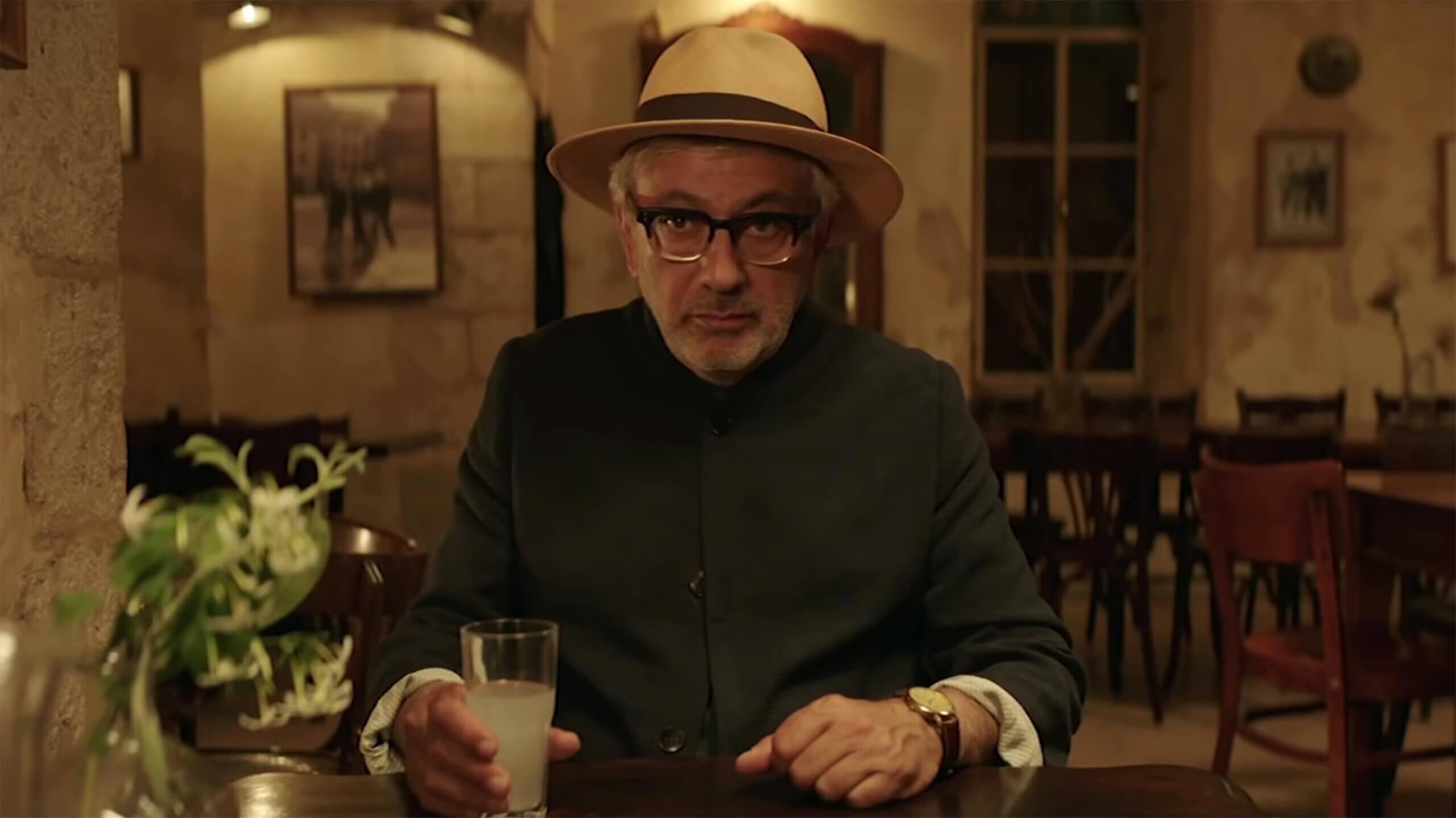 it-must-be-heaven-2019-movie-elia-suleiman