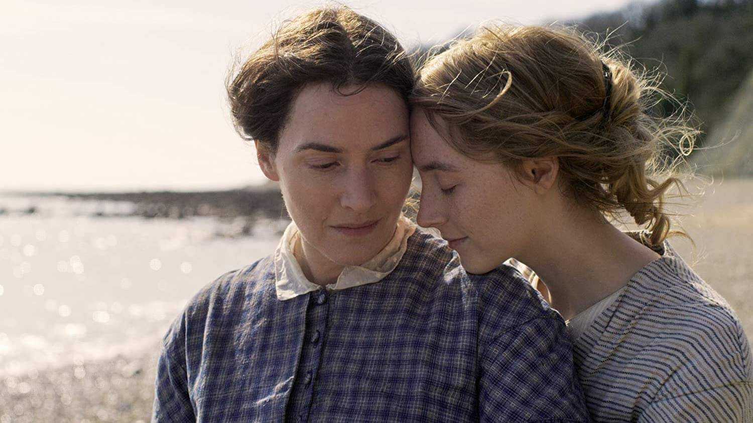 ammonite-movie-2020-kate-winslet-Saoirse-Ronan