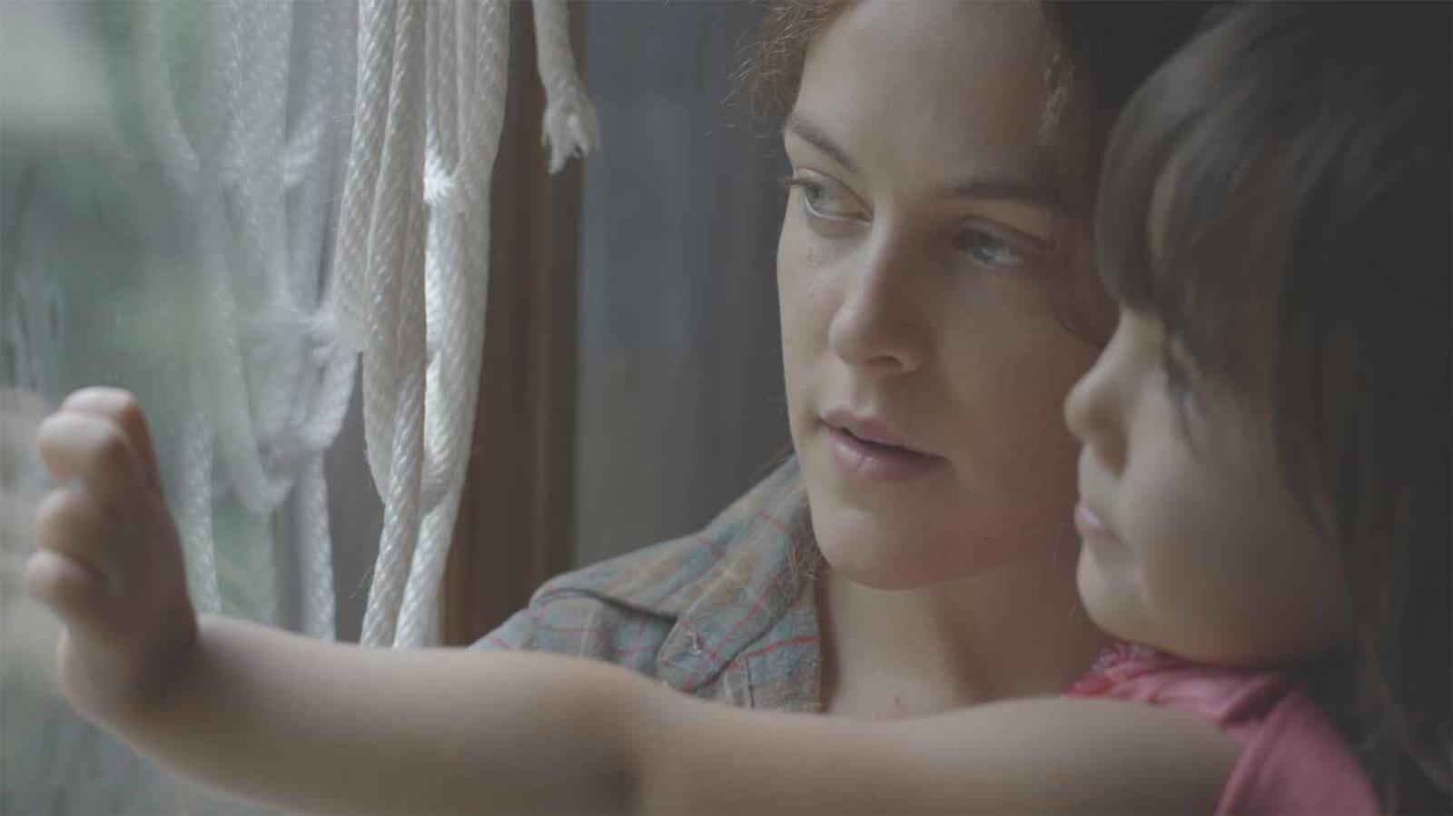 lovesong-riley-keough-jena-malone-2016-movie